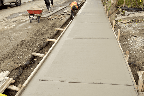 our concrete flatwork contractors are now available in Vancouver to help you repair your concrete sidewalk
